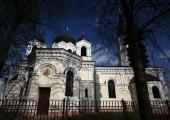 Widok na cerkiew prawosławną.