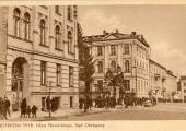 Stara pocztówka z Sądem Okręgowym w tle.