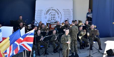 Piotrkowianie na pikniku NATO