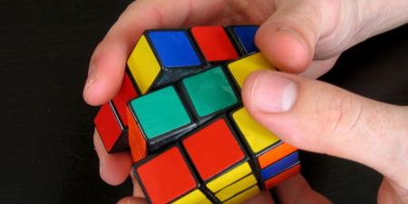 Kto najszybciej ułoży kostkę Rubika?